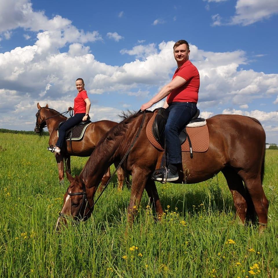 Где можно покататься на лошадях в Москве